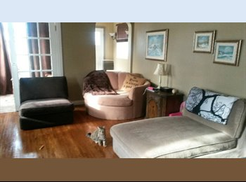 EasyRoommate CA - Female Roommate Wanted - Awesome Central Location! - Central, Edmonton - $750 pcm