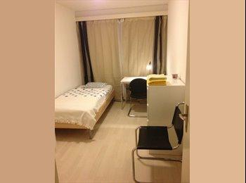 Schönes, möbliertes Zimmer