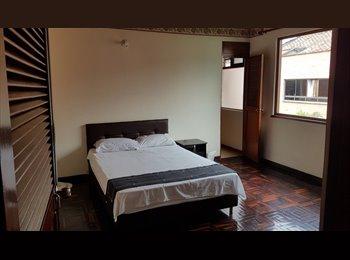 CompartoApto CO - EAFIT PATIO BONITO POBLADO HERMOSA - Zona Sur, Medellín - COP$0 por mes