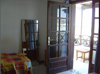 EasyPiso ES - habitación en playa honda-Lanzarote - Centro, Lanzarote - 250 € por mes