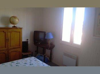 Appartager FR - AIX EN PROVENCE - ETAGE VILLA - 2 CH - S d'E - WC - Aix-en-Provence, Aix-en-Provence - 380 € / Mois
