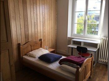 location chambre meublée dans appart. à 3 coloc