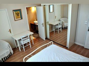 loue chambre dans maison particulière de 200 m2 face au...