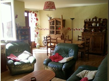 Appartager FR - loue en colocation appartement f5 300 e cc/pers - Tarbes, Tarbes - 300 € / Mois