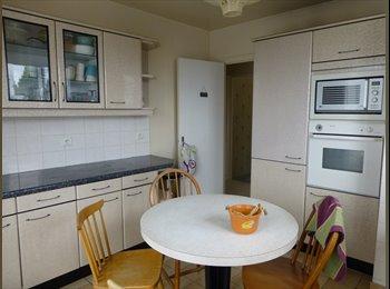 chambre librede 14m dans maison à rosny sous bois