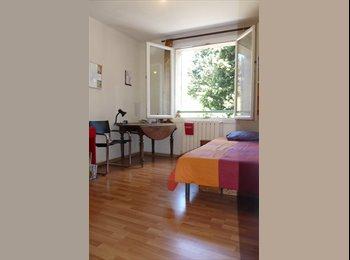 Appartager FR - Chambre chez l'habitant - Aix-en-Provence, Aix-en-Provence - 400 € / Mois