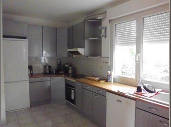 Appartager FR - CHAMPIGNY COLOCATION - Champigny-sur-Marne, Paris - Ile De France - 590 € / Mois