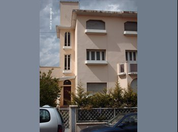 Appartager FR - Chambre meublée disponible La Rotonde CLERMONT-FD - Clermont-Ferrand, Clermont-Ferrand - 340 € / Mois