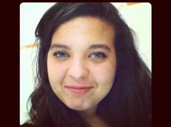 Samia - 22 - Estudiante