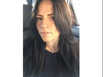 Natalia - 25 - Profesional