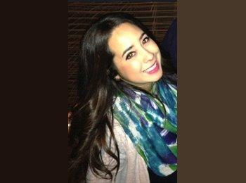 Lorena  - 25 - Profesional