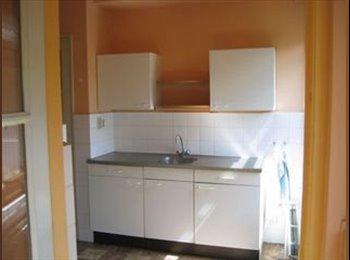 Te huur een kamer met balkon in een appartement