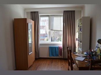EasyKamer NL - Room close to Den Haag laan v NOI - Centrum, Den Haag - € 400 p.m.