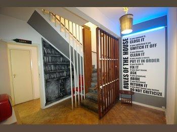 EasyQuarto PT - Ensuite Room in Lisbon Historic - Anjos, Lisboa - 360 € Por mês