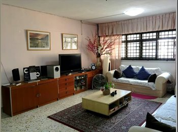 EasyRoommate SG - Looking for Female Roommate - Telok Blangah, Singapore - $435 pcm