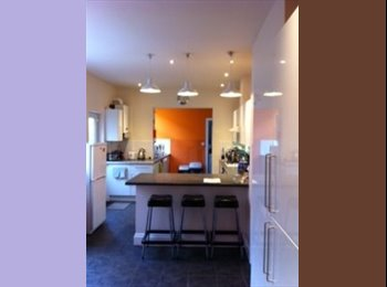 West Bridgford, Young Professional House Share, Double Room...