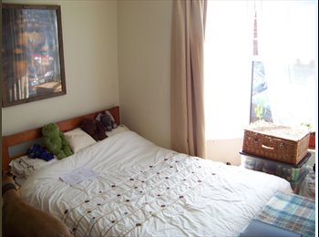 EasyRoommate UK - Double room in Exeter near to the university  and city centre - Exeter, Exeter - £420 pcm