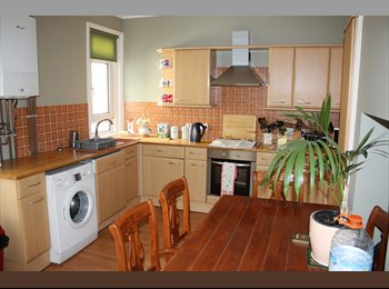 EasyRoommate UK - Double room available - St. Leonards-on-Sea, Hastings - £345 pcm