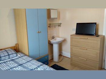 EasyRoommate UK -  Spacious double room  £65 a week - bills included - Doncaster, Doncaster - £281 pcm