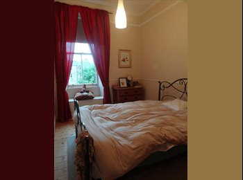 Double bedroom in nice and clean flat short term