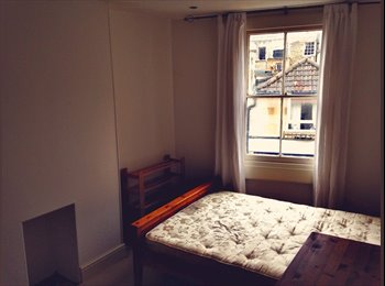 Double room to rent in lovely area of Bath.
