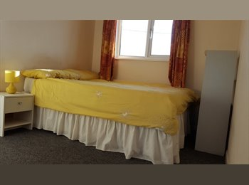 EasyRoommate UK - Double & single rooms -Tewkesbury - Tewkesbury, Tewkesbury - £290 pcm