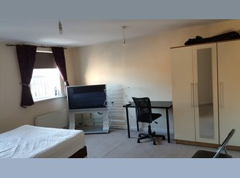 EasyRoommate UK - Double rooms from £110 per week, all bills include - Rugby, Rugby - £475 pcm