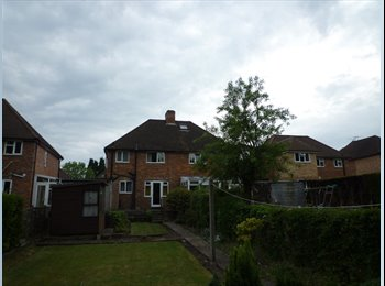 EasyRoommate UK - Single room near University/Research Park - Guildford, Guildford - £380 pcm