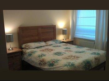Double En-suite room for rent in Chesser