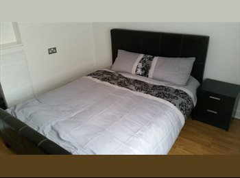 Spacious double room available with KINGSIZE bed