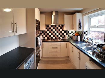 Rusholme -Big Beds with ALL BILLS&WiFi