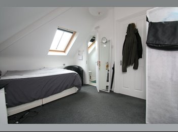 Newly refurbished student room in lovely location