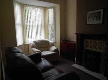 EasyRoommate UK - 1 ROOM AVAILABLE IN 3 BEDROOM HOUSE - Salford City Centre, Salford - £355 pcm