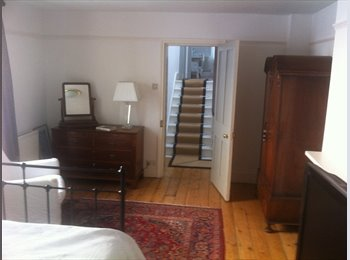 EasyRoommate UK - Nick and Annette invite you to stay - Hastings, Hastings - £450 pcm