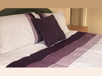 Double rooms in Modern House - Union Street
