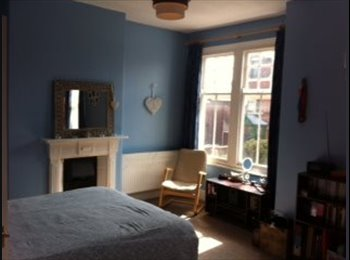 West Bridgford, Young Professional House Share