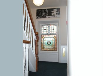 EasyRoommate UK - The Best of Both Worlds! - Taunton, South Somerset - £525 pcm