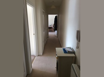 EasyRoommate UK - One bedroom available in a two bedroom flat. Flat share.  - Bedminster, Bristol - £450 pcm