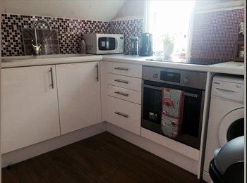 EasyRoommate UK - CENTRAL SURBITON DOUBLE ROOM TO RENT - Surbiton, London - £600 pcm