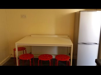 Beautiful, Newly Furnished 3 Bed Houseshare