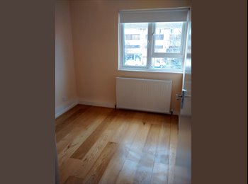 EasyRoommate UK - Newly refurbished 2 bed appartment to share - Waltham Cross, Waltham Cross - £542 pcm