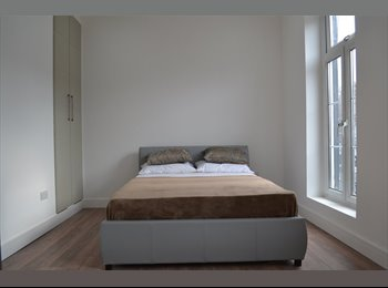 EasyRoommate UK - New 4 Double Bedroom luxury flat, - Surbiton, London - £650 pcm