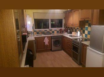 EasyRoommate UK - large en-suite double room with walk-in wardrobe - The Ortons, Peterborough - £350 pcm