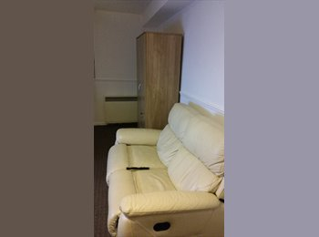 EasyRoommate UK - hello - Dagenham, London - £500 pcm