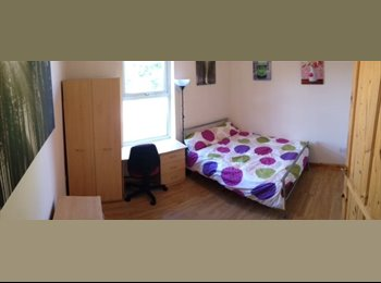 EasyRoommate UK - *ALL BILLS INCLUDED* Next to Sainsburys & The Park - Crookes, Sheffield - £349 pcm