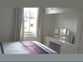 EasyRoommate UK - 2 spacious luxurious rooms in Fulham - Fulham, London - £1,000 pcm