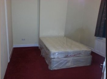 LARGE DOUBLE ROOM FOR RENT AVAILABLE IN WALTHAMSTO