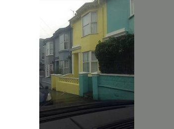 EasyRoommate UK - Beautiful Student House w/ 2 Rooms to Rent - Brighton, Brighton and Hove - £455 pcm