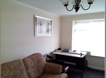 EasyRoommate UK - Single room in lovely house - Willenhall, Coventry - £320 pcm