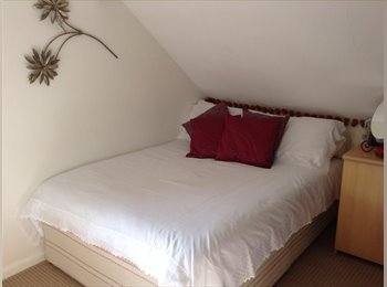 EasyRoommate UK - Cosy room  in a family home close to New Forest - Hythe, Southampton - £480 pcm